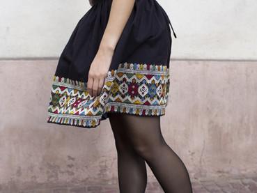 La jupe tissée à la main au Laos arrive dans la boutique en ligne
