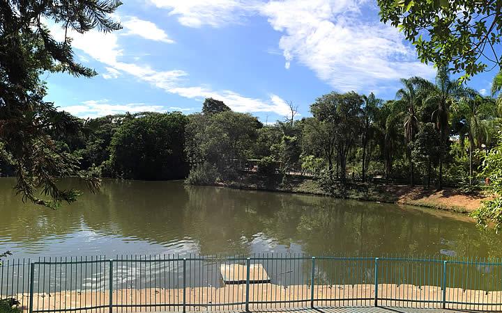 Lago-do-Parque-Novo-Horizonte-em-Varginh