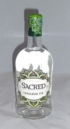 Cardamon gin Sacred