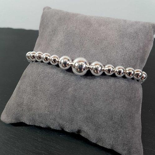 Bracelet en argent orné de boules