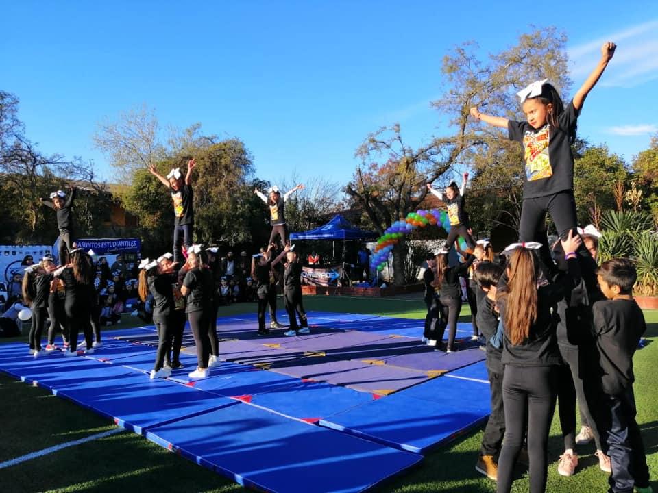 Cheerleader (2)
