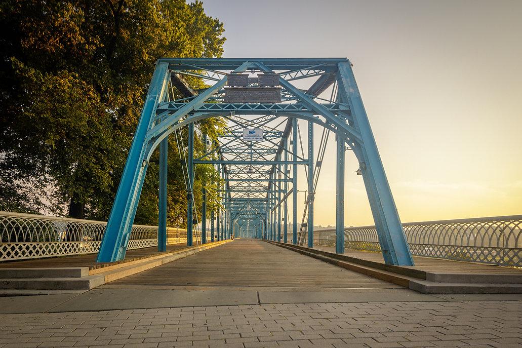 Walnut Street Bridge 2.jpg