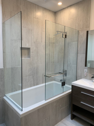 Bathtub Glass Panels
