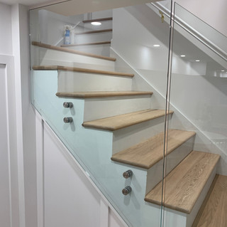 indoor glass  railing montreal