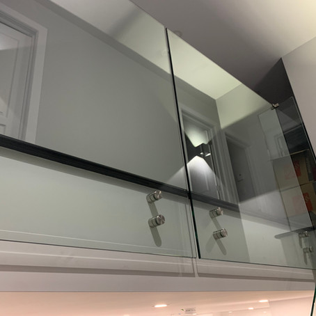 Systèmes de garde-corps en verre: où le design rencontre la performance