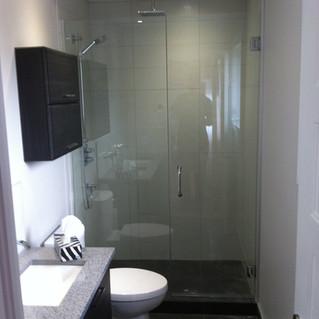 Custom shower montreal