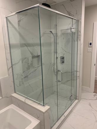 Custom glass shower Montreal