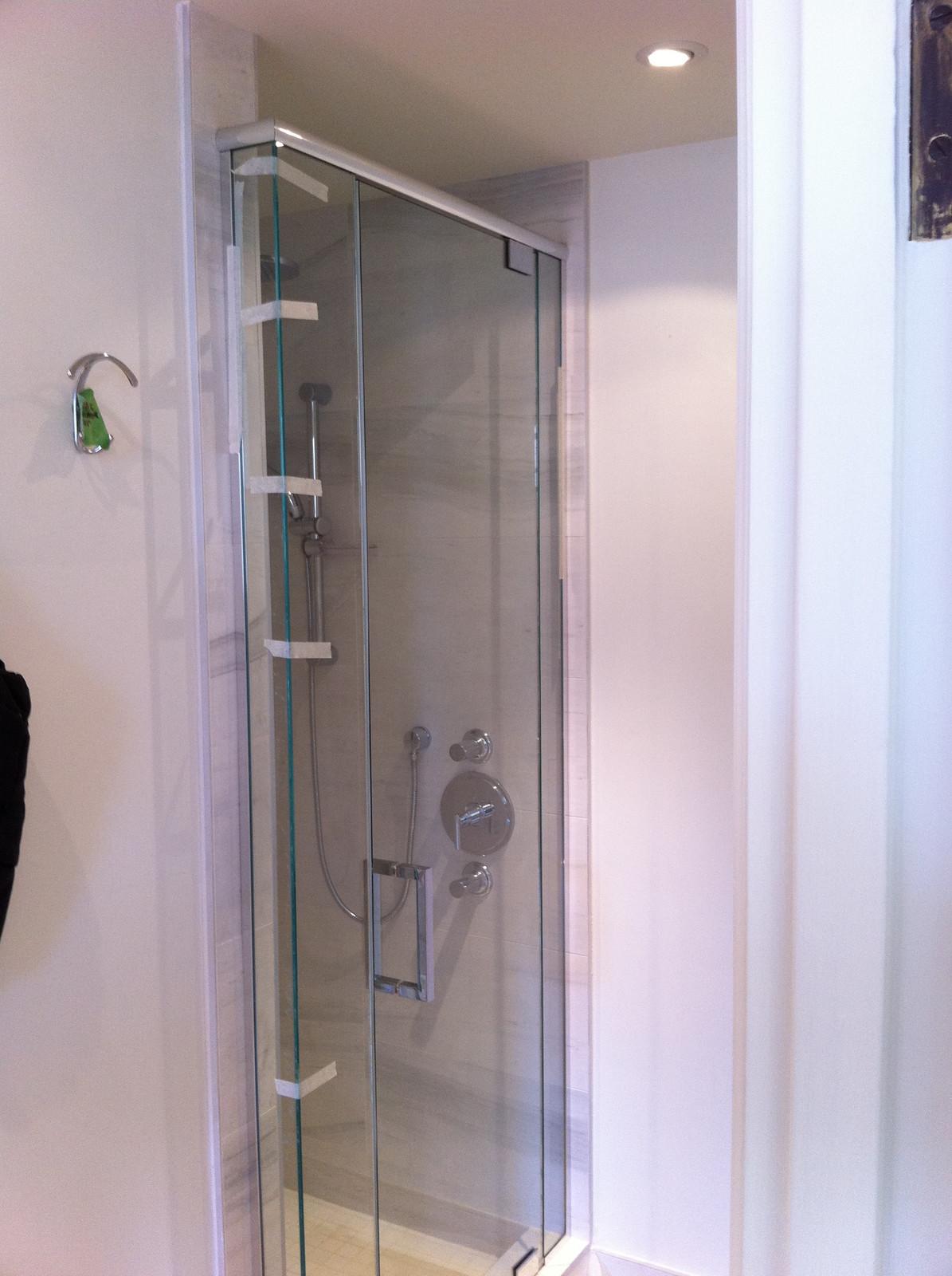 Mirrors | Montreal | Bathroom Mirrors | Custom | Montreal