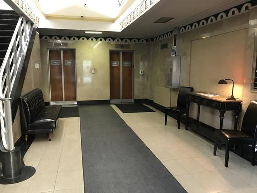 lobby pic.jpg