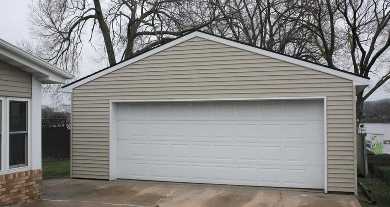1426 Bainbridge garage.jpg