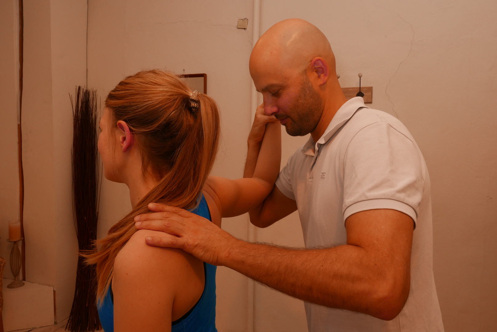 shoulder apprehension test