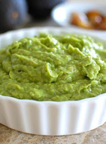 Creamy Avocado Garlic Dipping Sauce