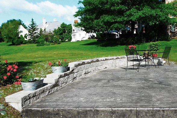GM - Patio with Retaining Wall for May A