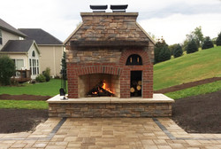 Outdoor Fireplace & Pizza Over