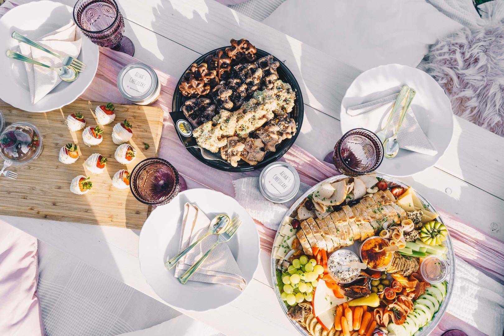 Food Platters from @gouda.thyme & @wafflesinthe6ix
