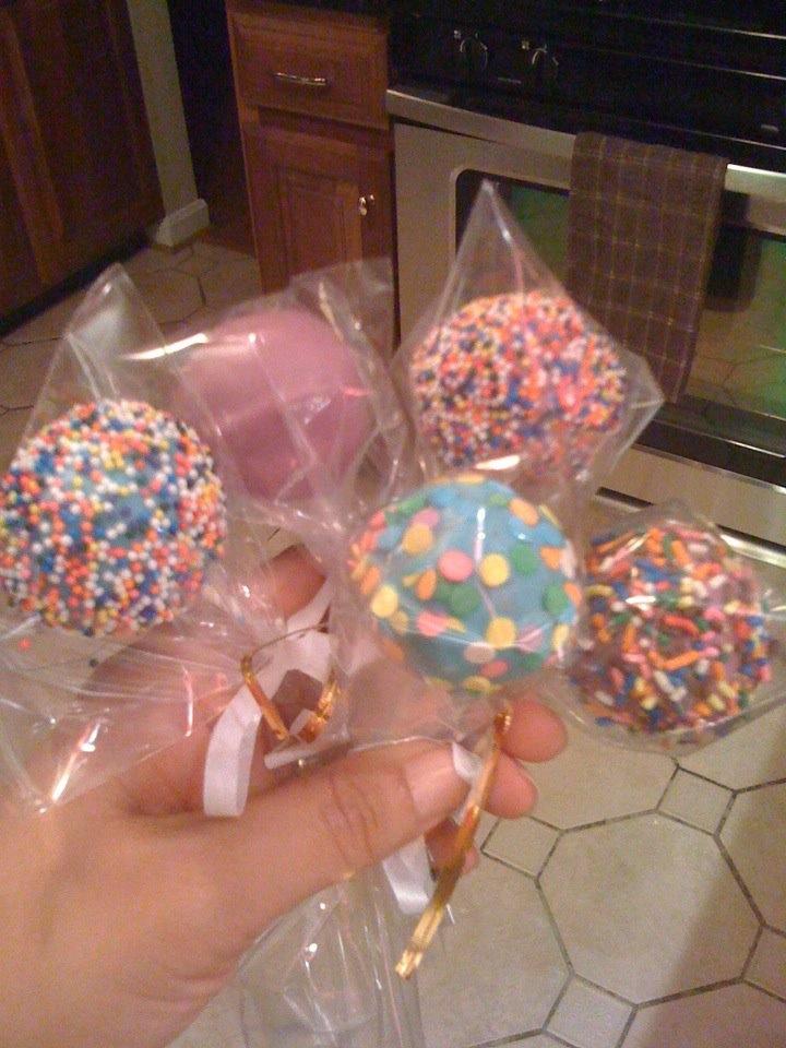 Cakepops with Sprinkles