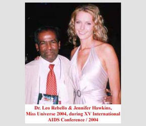 Dr. Leo Rebello and Jennifer Hawkins, Miss Universe 2004, during XV International AIDS Conference, 2004.