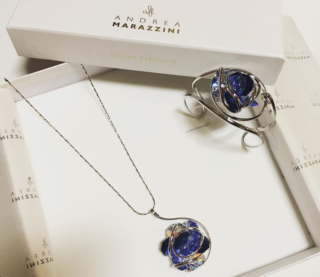 Andrea MARAZZINI composition de cristaux forme fleur, multi blue.