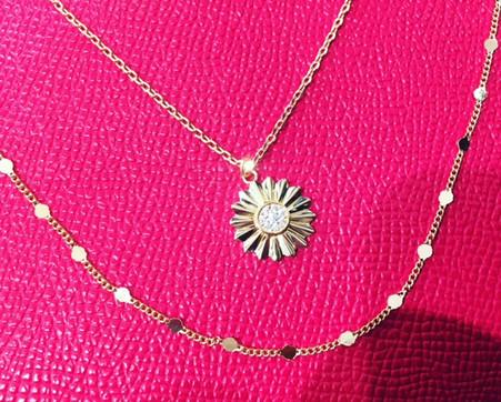 Collier plaqué or, deux rangs. A découvrir choix de colliers double ou triple rangs argent ou plaqué or avec perles.