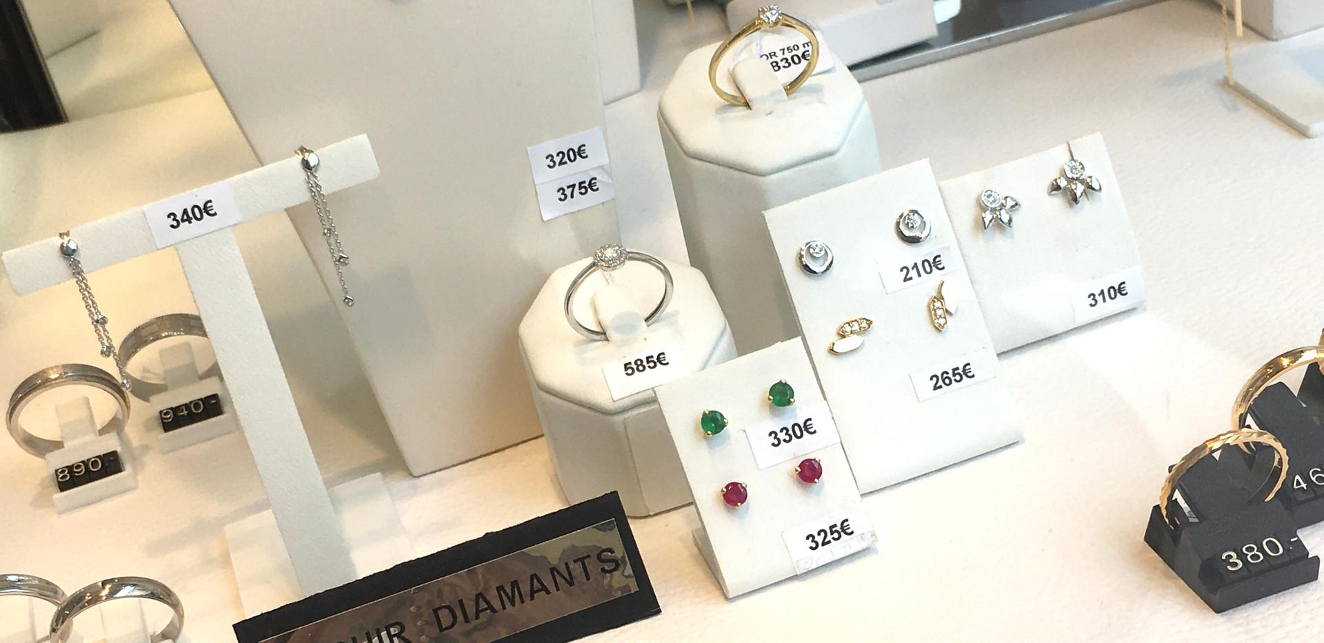 Bijoux or 750 et pierres précieuses. Diamant, saphir, rubis, emeraude.