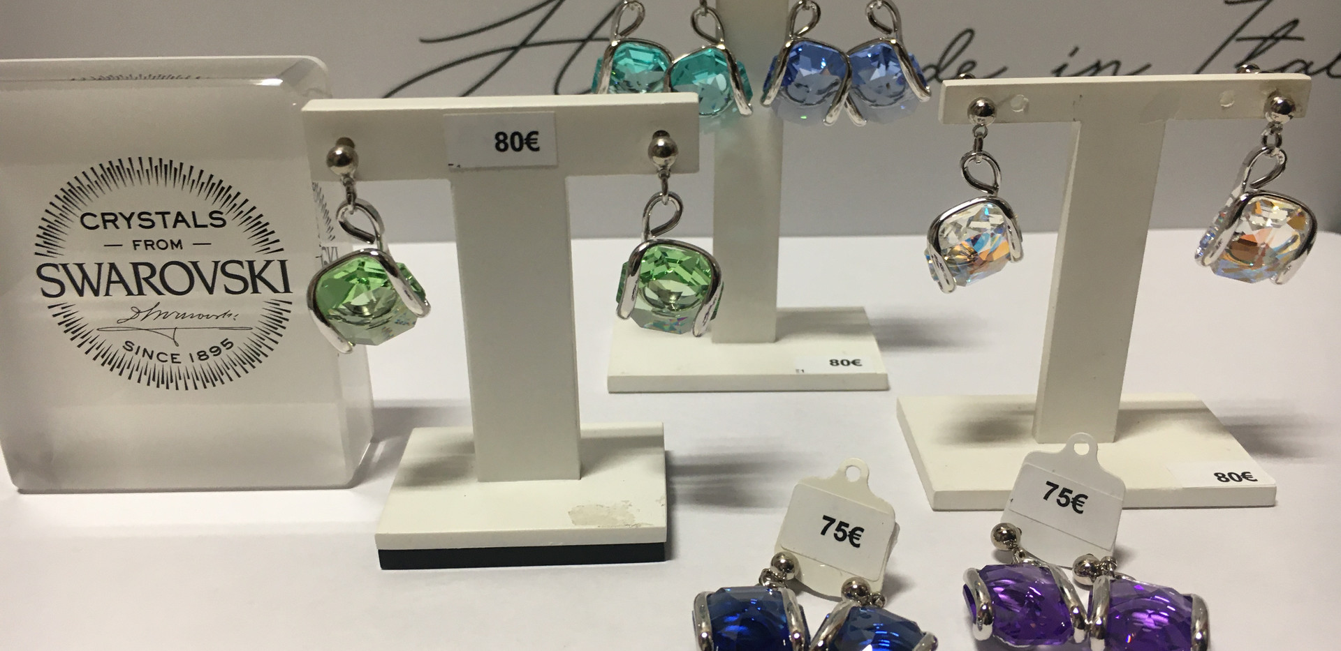Choix de boucle oreille pendente cristal fermoir tige, poussette. 75€-85€