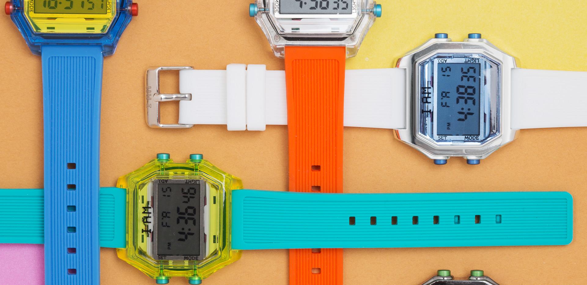I Am the Watch, fun, vintage, coloré, interchangeable, mixte, deux tailles, multiple choix de couleur, vendu indépendamant le bracelet et la boite, 49€  Design italien.