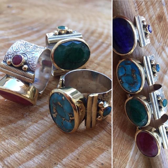 Bagues coup de coeur- Argent & Laiton pierre ovale turqoise cuivré, emeraude, saphir, rubis teintés facettés. 110€