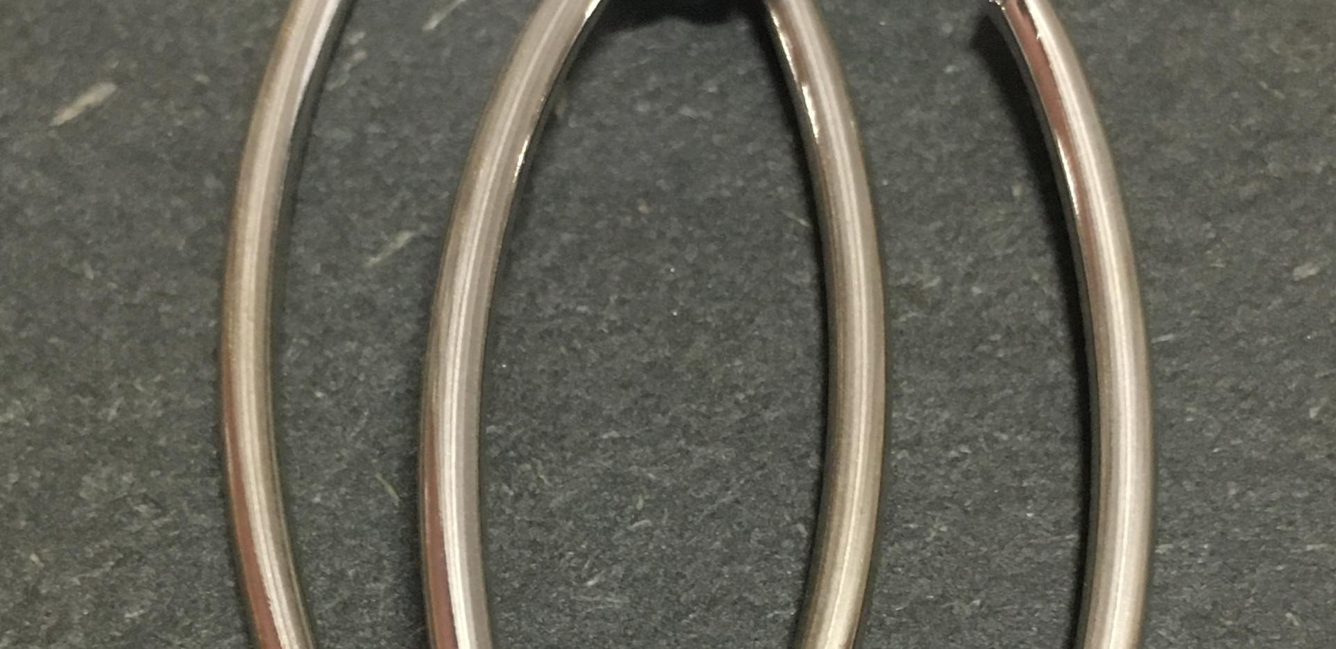 Créole ovale argent 925 rhodié.