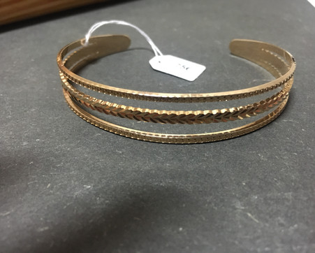 Bracelet jonc esclave plaque or.