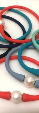 Bracelet mixte perle eau douce silicone couleur