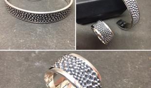 Parure bague ruban, bracelet, bijoux aussi bien masculin que féminin. Argent 925 IKKU