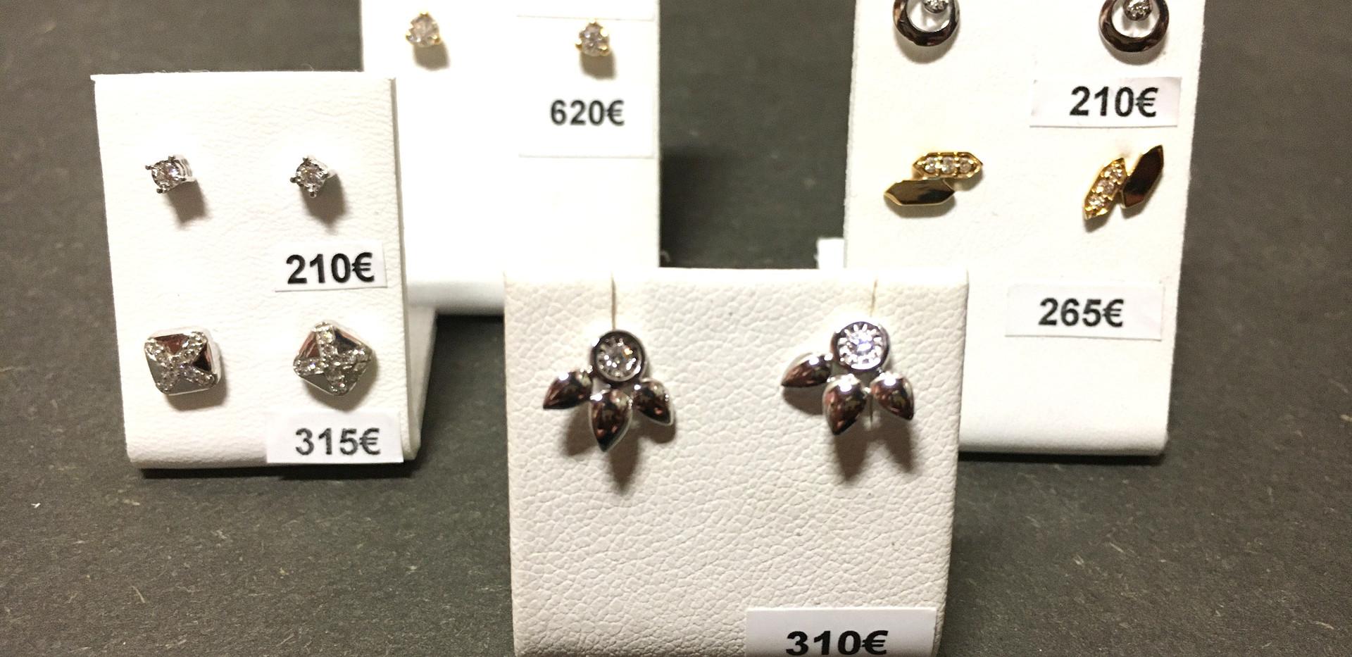 Sélection boucle oreille puce, diamants & or 750.