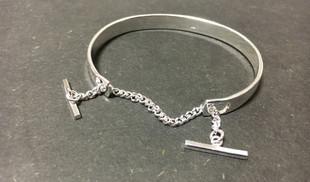 Bracelet argent 925  Rigide avec chaine hyper couture. Gravure possible