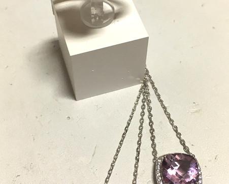 Inspiration Joaillerie-Nouvelle ligne argent 925 rhodié pierre naturel, topaze et améthyste, entourage oxydes. 125€-105€