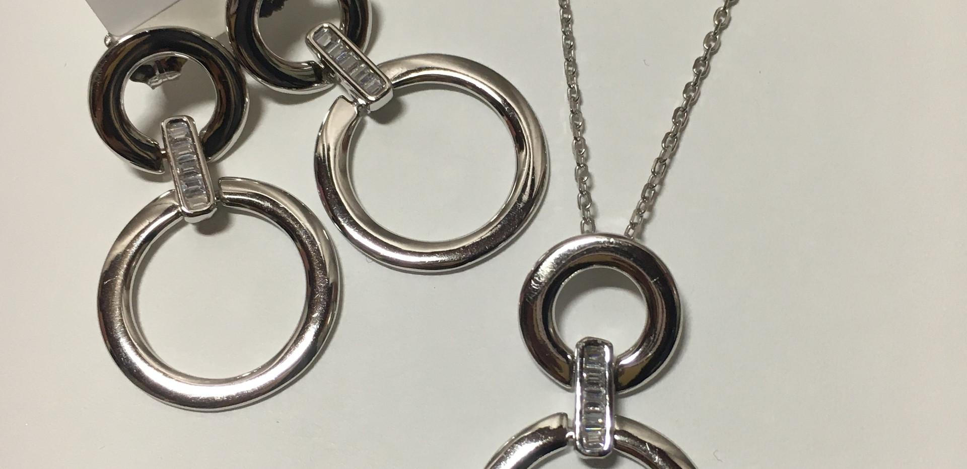 Parure anneaux seti rail baguette, argent 925 rhodié.