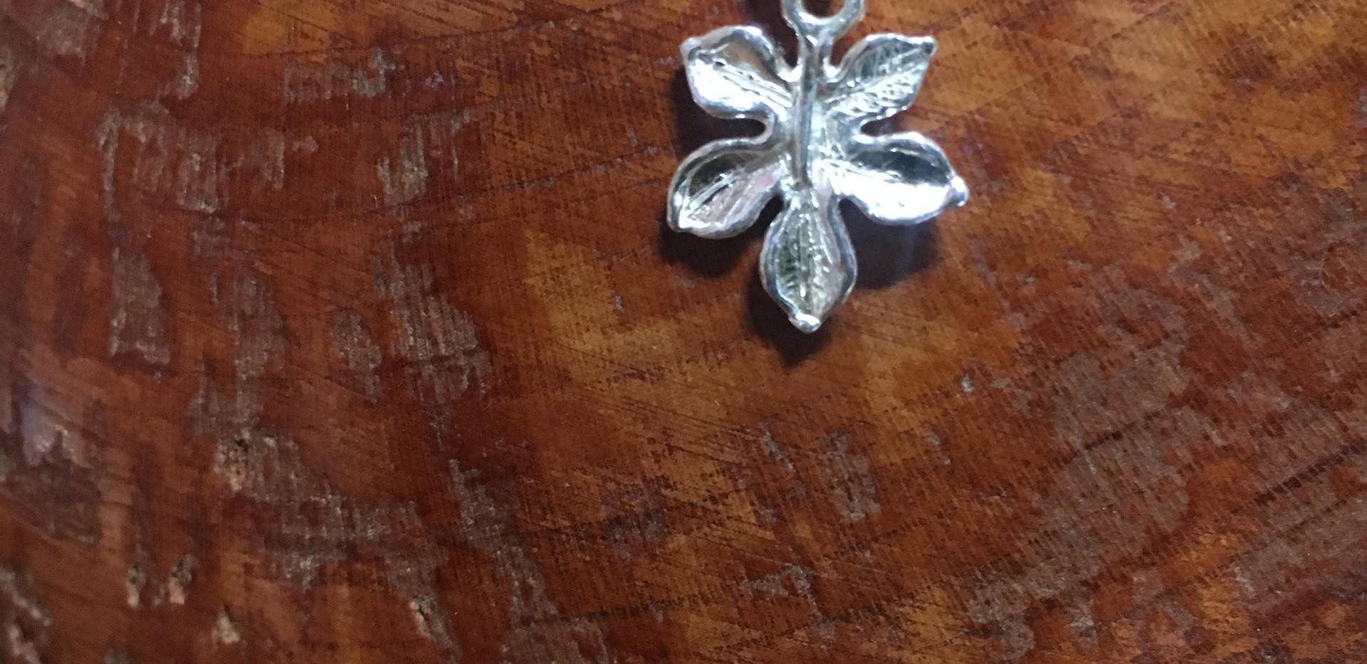Collier argent 925, motif feuille, chaine boules.