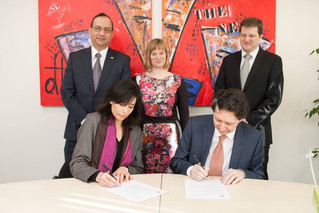 The Embassy of Peru in the Netherlands and The Hague University of Applied Sciences signed Interinst