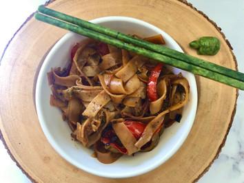 Vegan Pad Kee Mao (Thai Drunken Noodles)