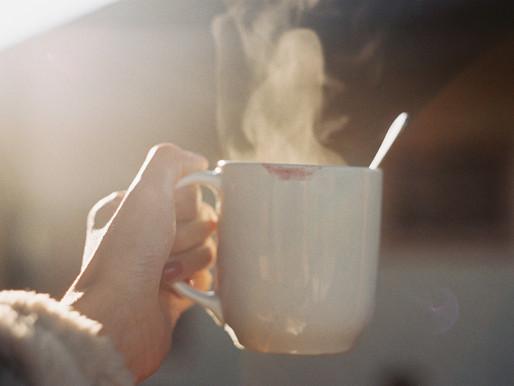 """""""Tem batom na minha xícara"""": café, feminismo e a busca por visibilidade"""