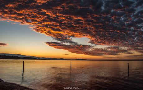 La beauté du soleil se reflétant dans les nuages