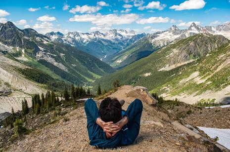 Repos au sommet de la vallée d'Alsukan