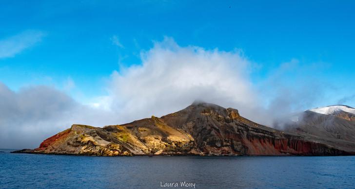 Deception Island's colors
