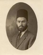 תמונת הרב בצעירותו מתוך אתר יד הרב ניסים