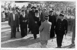 הרבנים הראשיים בליווי רבנים נוספים בביקור רשמי בעיר אשקלון