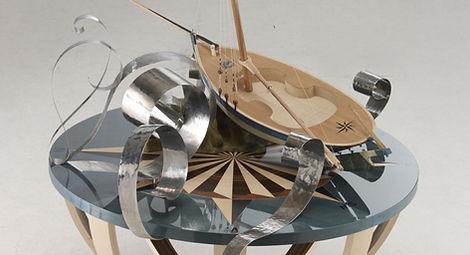 table, bateau, sycomore, ébène de maassar, noyer, inox, cuir, rose des vents, membrures