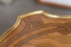 meule style XVIIIème, marqueterie, bronzes, dorure, vernis au tampon