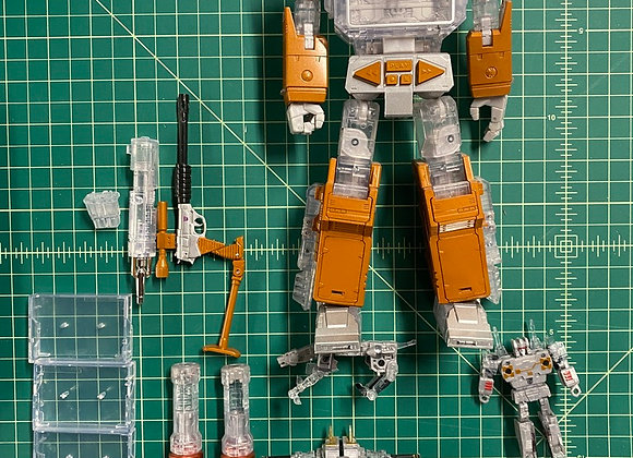 Soundwave Year of the Goat SE Transformer w/3 tapes