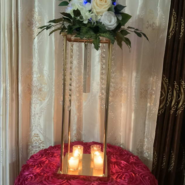 Gold flower stand