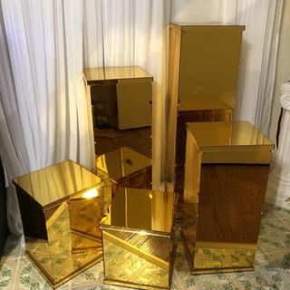 Gold square columns