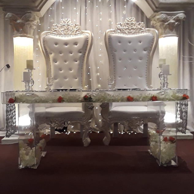 Ghost table, White throne chairs